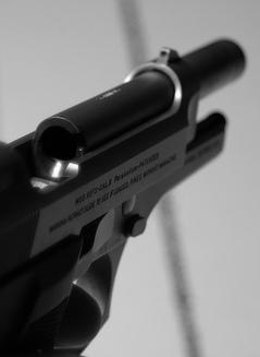 Gun_139950080_810dbf2978