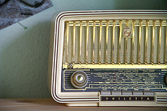 Radio_flickr_160080677_f9e47efcda_m