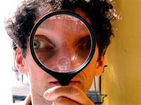 Magnifying_glass_flickr_182772855_6cdff4
